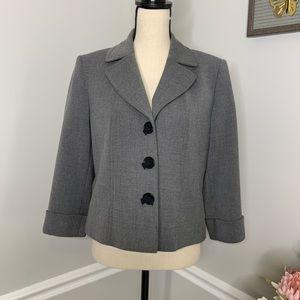 TAHARI grey suit jacket blazer sz. 8p